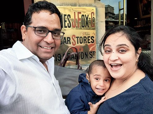 Vijay Shekhar Sharma Wiki with wife and children